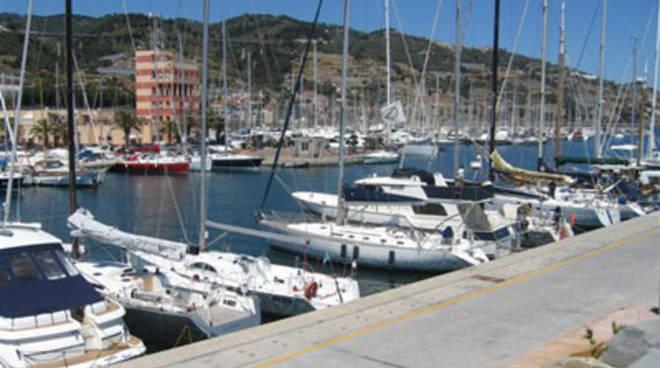 Il porto di Marina degli Aregai