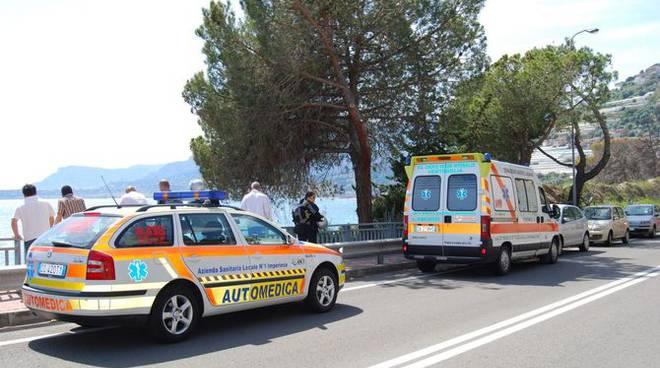 Soccorso Balzi Rossi elicottero vigili del fuoco Pineta