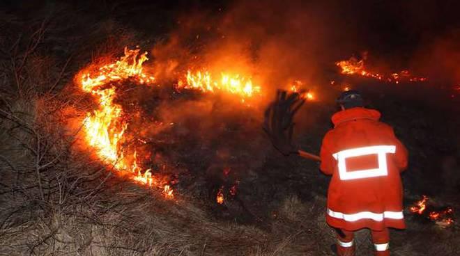 incendi boschivi rogo generiche