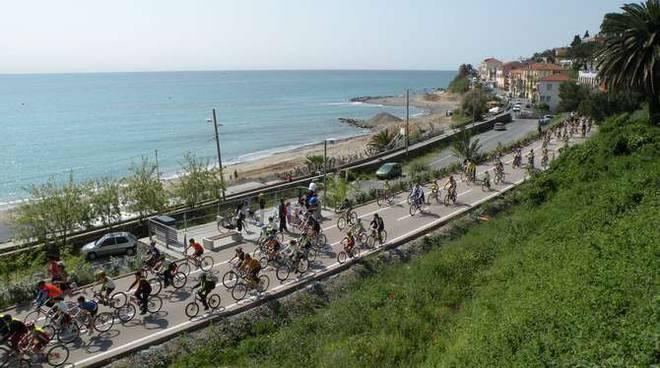 Pedalata pista ciclabile Sanremo