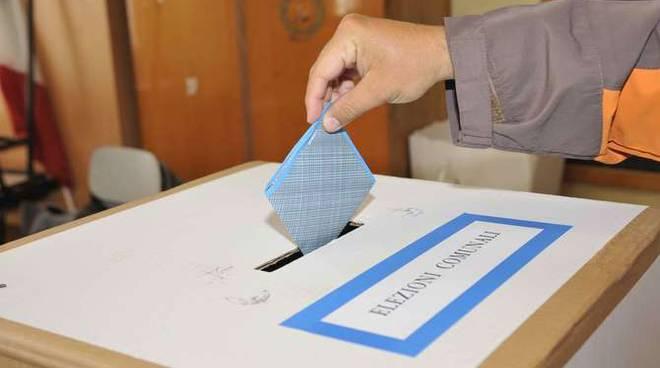 Elezioni 2009  Imperia voto urna urne