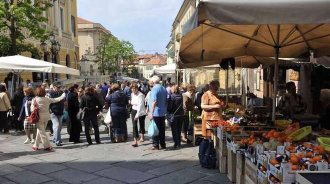 Mercato via Cascione Imperia Porto Maurizio