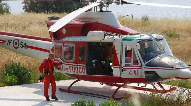 Elicottero Privato Su Piazzola Atterraggio A Capo Verde Indagine