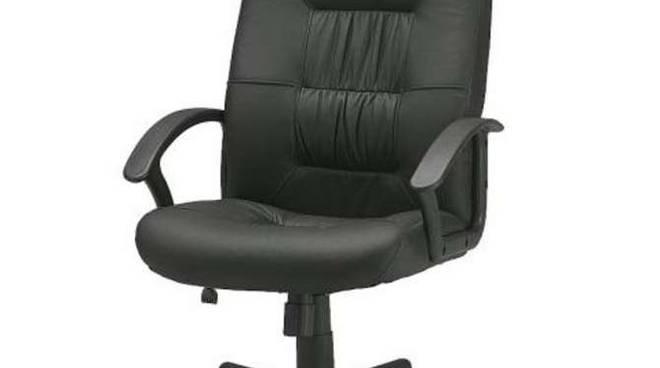 Competizione su sedia da ufficio a san bartolomeo al mare riviera