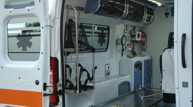 Ambulanza generica pubblica assistenza