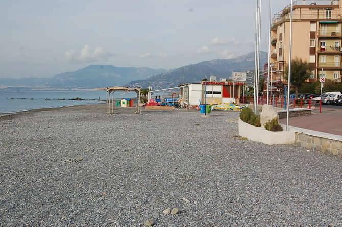vallecrosia spiaggia