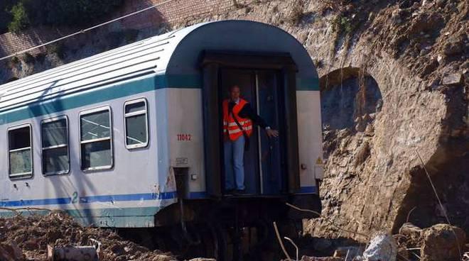 Treno deragliato Enrico Vesco sopralluogo Bordighera
