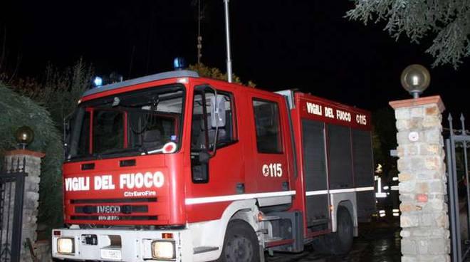 incendio serra ospedaletti-vigili fuoco notturna generica