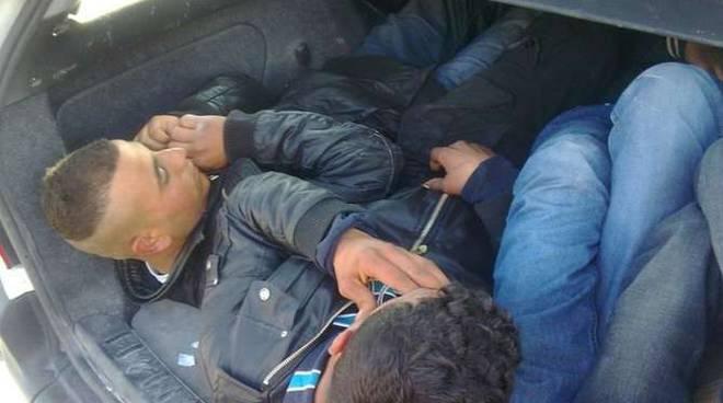 arresti passeur polizia frontiera