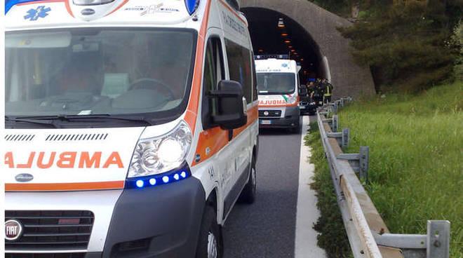 incidente croce oro cervo vigili fuoco autostrada