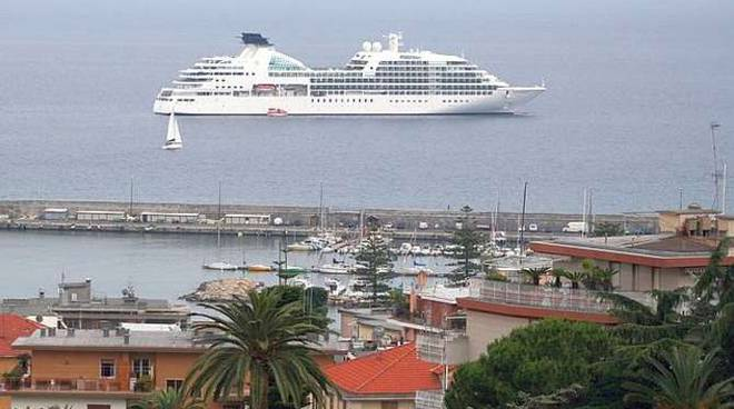 Seabourn Quest sanremo porto nave crociera