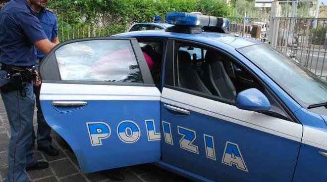 Volante polizia commissariato Sanremo generica