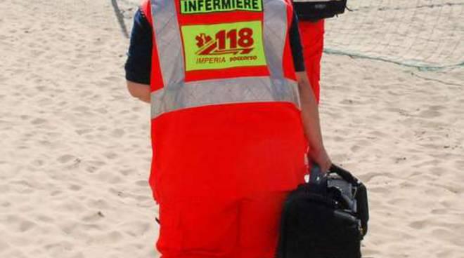 Automedica 118 spiaggia mare generica