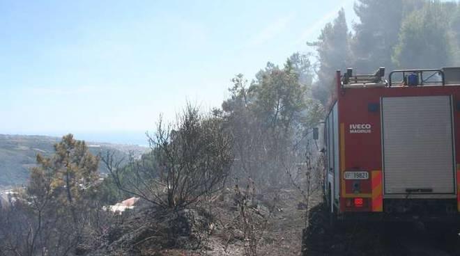 Incendio bosco boschivo Ciaixe Camporosso
