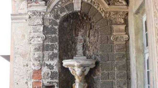 Loggia dipinta e ninfea, particolare di Palazzo Guarnieri