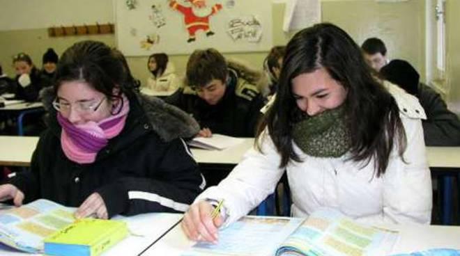 Bimbi freddo scuola generica