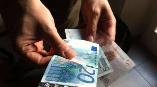 Truffa banconota denaro soldi