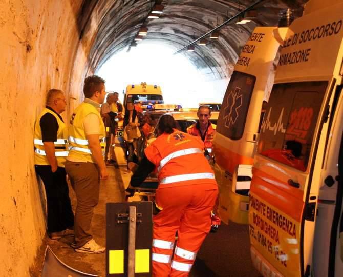 incidente autostrada bordighera a10 settembre 2012