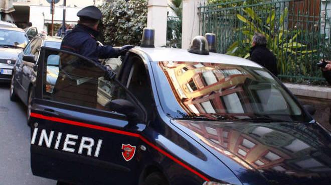 Le IMMAGINI del blitz dei carabinieri in via Pallavicino