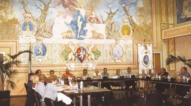 Un'opera di Scati nella Sala Consiliare del Comune di Diano Marina