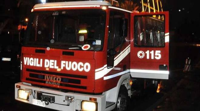 Vigili del fuoco notturna Incendio stabilimento balneare Italo Calvino Sanremo febbraio 2013