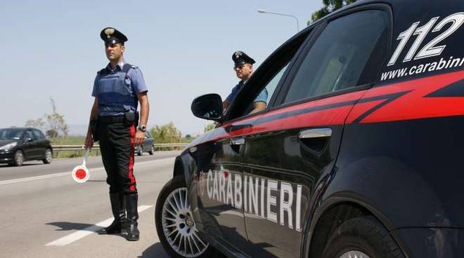 Carabinieri controlli estiva generica