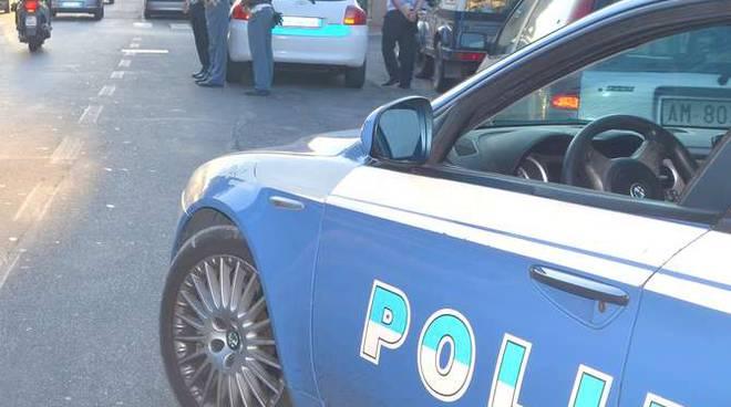Controlli polizia autobus senegalesi contraffazione ventimiglia