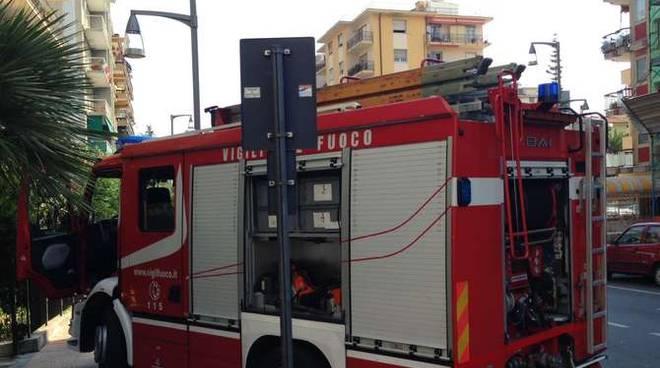 Vigili del fuoco Ventimiglia uscita fumo via Roma