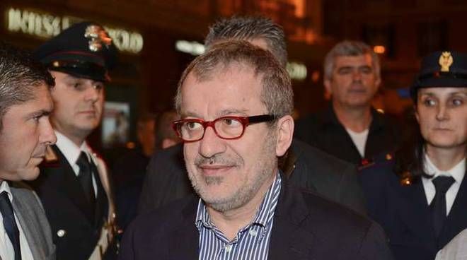 Accoglienza, Maroni critica il governo