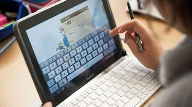 Tablet scuola studenti generica