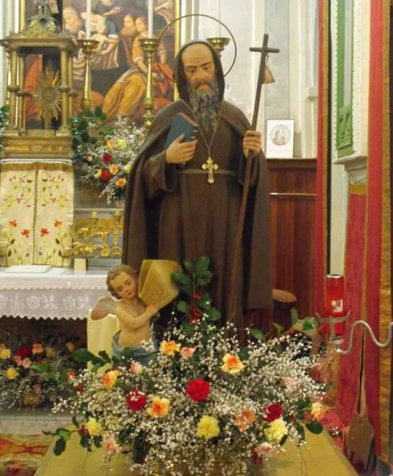 Glori frazione di molini di triora in festa per sant for Arredo bimbo sant antonio abate