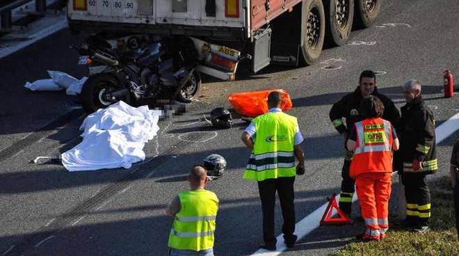 incidente mortale motociclisti francesi imperia ovest3/5/14