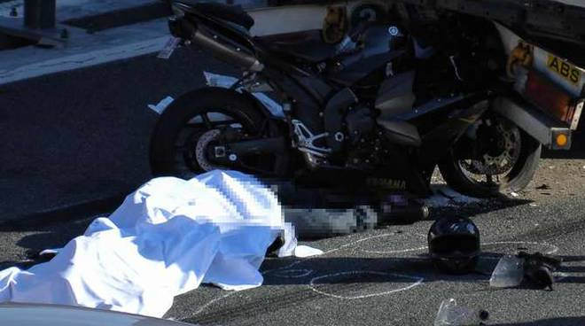 incidente mortale motociclisti francesi imperia ovest3/5/14