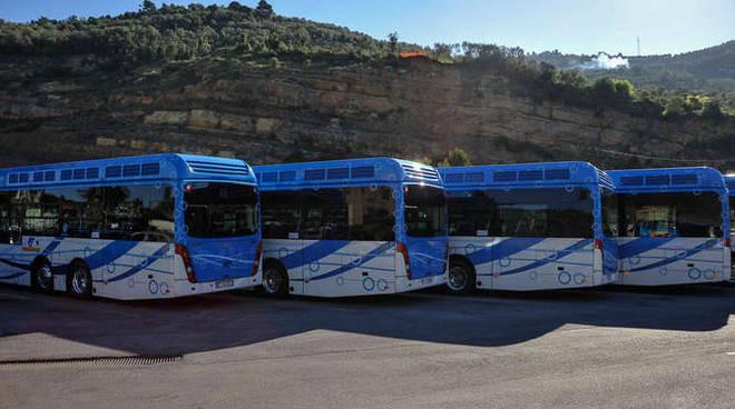 generica autobus idrogeno riviera trasporti