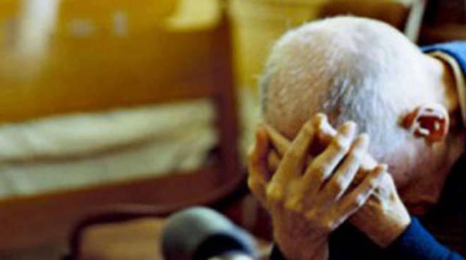Si finge carabiniere e truffa un'anziana, arrestato 37enne