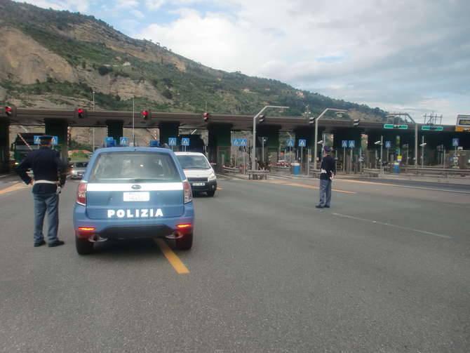 Polizia frontiera controlli A10 Autostrada Fiori generica