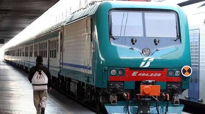 Treno vecchio Trenitalia generica