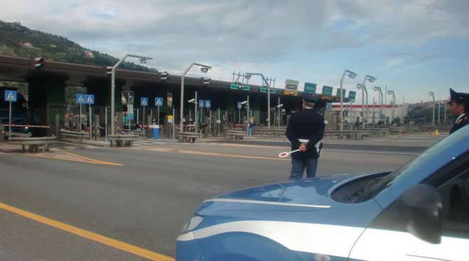 polizia di frontiera generica autostrada