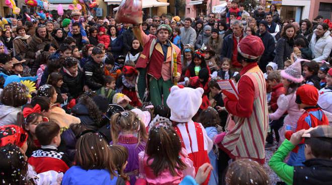 carnevale a imperia oneglia in piazza san giovanni