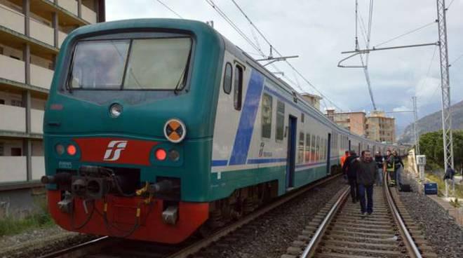 morto investito treno vallecrosia marzo 2015