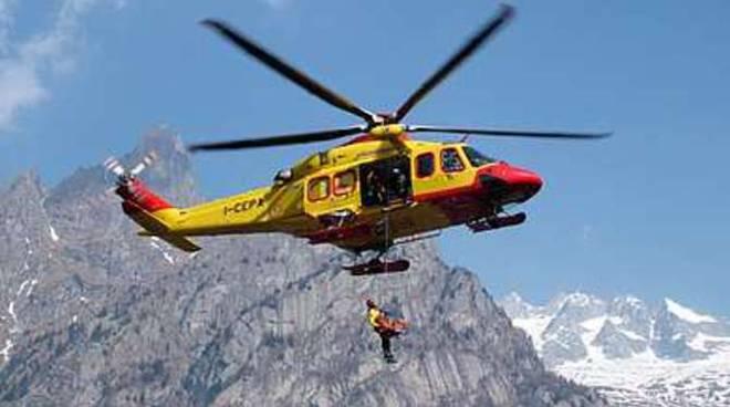 Elicottero Soccorso Alpino : Escursionista sanremese si infortuna in valle pesio