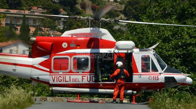 Elicottero Croce Rossa Italiana : Giovane ciclista si infortuna a gouta sul posto socalp