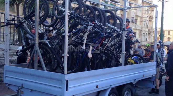 Sanremo in occasione della urban downhill ritorna in - Carrello per bici porta cani ...