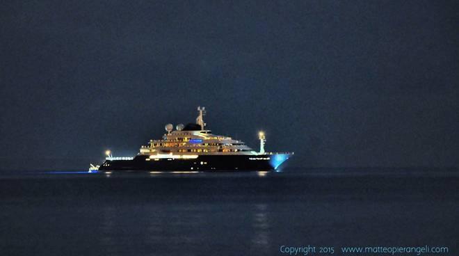 yacht octopus