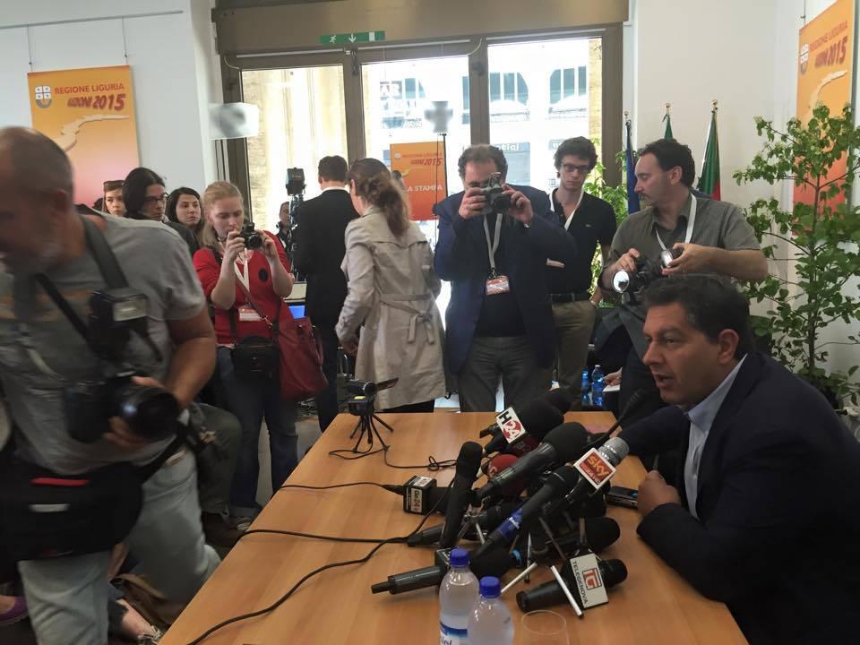 conferenza stampa toti