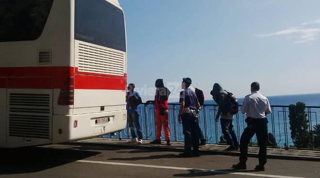 migranti profughi espulsi ponte san luigi