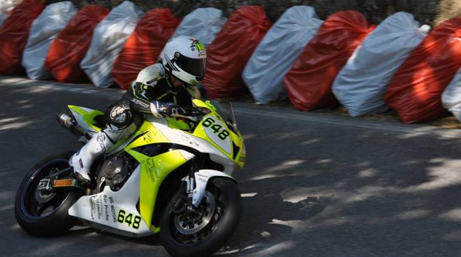 """motociclismo corsa di velocità in salita """"Carpasio-Prati Piani"""""""