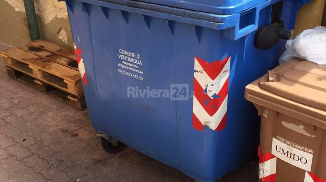 consegna bidoni ventimiglia rifiuti