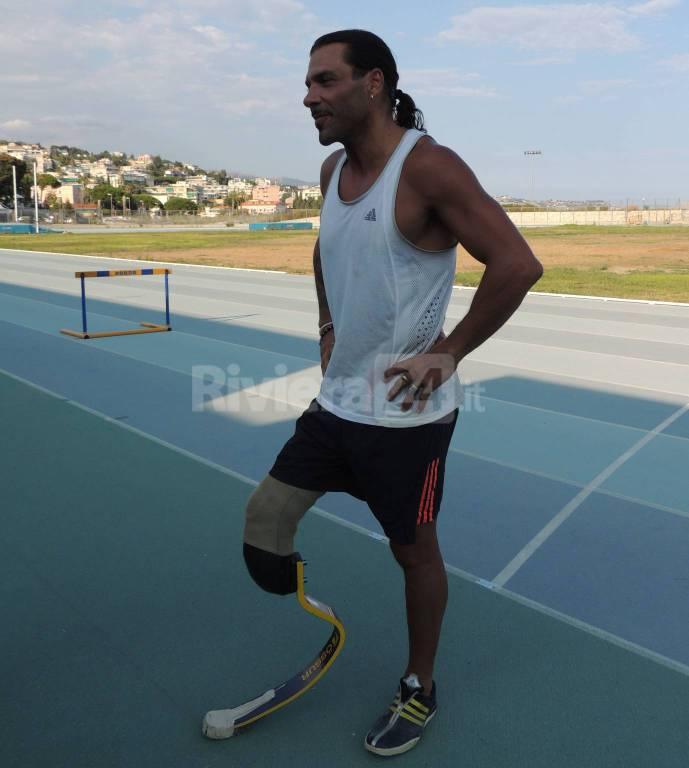 Allenamento alla pista di atletica a Pian di Poma per l'atleta paralimpico Roberto La Barbera
