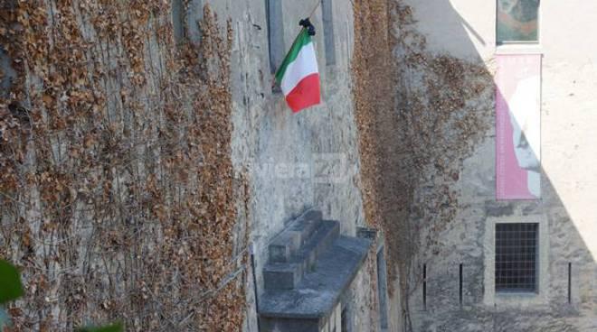 Bandiere a lutto per Asaad al MAR di Ventimiglia